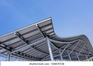 park design metal canopy as protection from the sun and is weatherproof