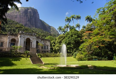 Park Lage under Corcovado Mountain.