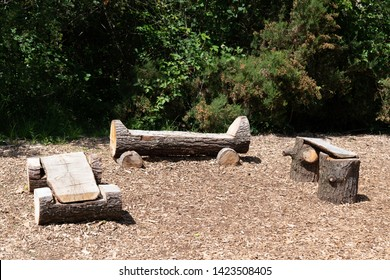 park natural wood bench rustic outdoor