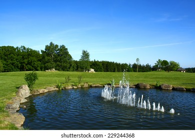 Park/garden with pond and fountain