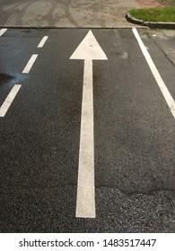 Parking markings, shopping center parking