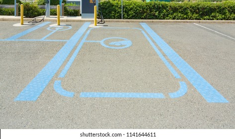 Parking spot for electric vehicle newarby charging stations