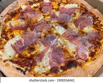 Parma ham pizza cheese tasty