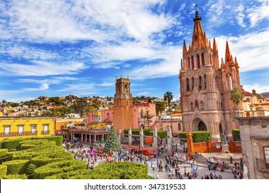 Parroquia Archangel church Jardin Town Square Rafael Chruch San Miguel de Allende, Mexico. Parroaguia created in 1600s.