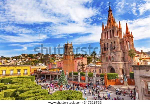 Parroquia Archangel iglesia Jardin Plaza Rafael Chruch San Miguel de Allende, México. Parroaguia creada en los años 1600.
