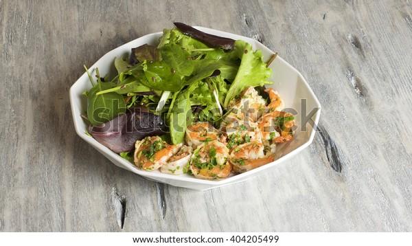 Parsley shrimp salad