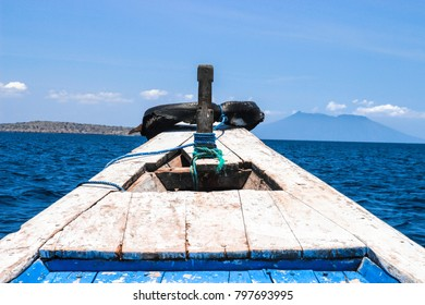 the part of a boat which traveling to the island in Bali