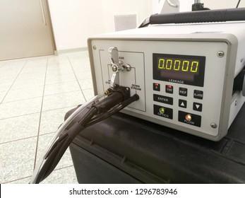 Particle counter or Aerosol photometer -HEPA/ULPA Filter Scan Leak Test