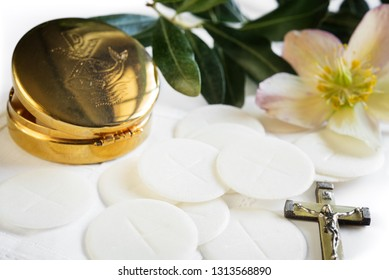 particles and sacred objects - Eucharistic cup
