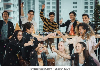 Party activities Celebration Group Friends office have fun with the new year. dance party. The event company for people in the organization has a DJ play music, free ,drink groups, friends.