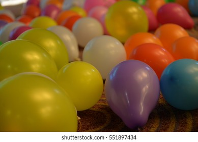 party ballon  color full fall on the floor