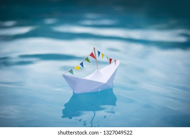 Party Paper Boat