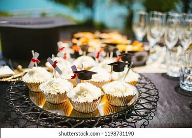 party table graduation decoration