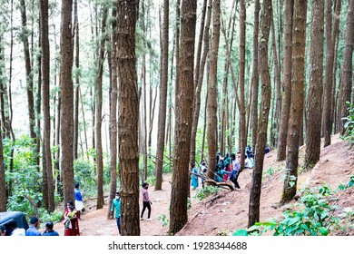 Parunthumpara is a viewpoint offering birds eye view of endless stretches of green forests and low lying areas. It is called Parunthumpara, 20 February 2021 , Kerala - India