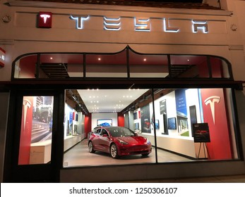 Pasadena, CA: December 4, 2018: A Tesla store in the Pasadena area.   Tesla is an electric luxury car company.