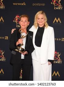 Pasadena, CA/USA - May 5, 2019: Amy Poehler & Judge Judy Sheindlin attend the 2019 Daytime Emmy Awards.