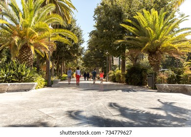 Paseo del Parque, a great green boulevard in Málaga (Andalusia, Spain)