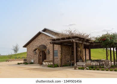 Paso Robles, EUA, CA - March 22, 2019: 46 Winery & Cellars at Paso Robles, Central California, USA. - Image