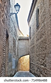 passage of the streets of Toledo,