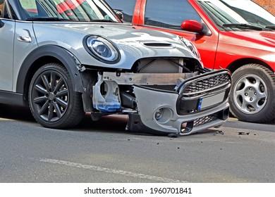 passenger car accident on the highway, transportation problem diversity
