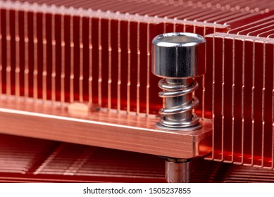 Passive copper heat sinks radiator used to cool electronics components