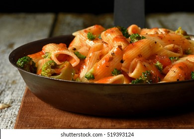 Pasta with Brocolli in a Pan