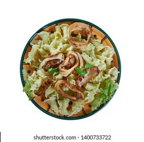 Pasta Campanelle con calamari , fried squid pasta