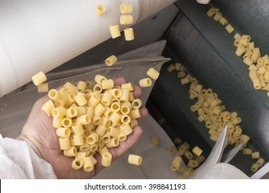 """Pasta factory  La Rustichella d'Abruzzo - """"Ditalini rigati"""" (shape) processing"""
