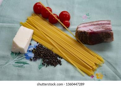 pasta roman pecorino bacon and tomatoes to prepare amatriciana pasta
