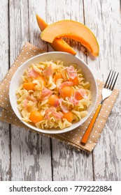 pasta salad with parma ham and melon