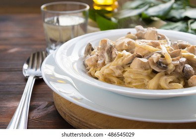 Pasta spaghetti with chicken and mushrooms, with copy space