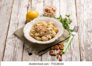 pasta with tuna and almond pesto