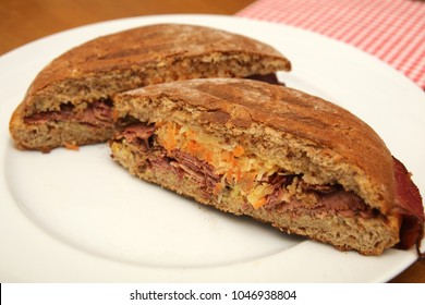pastrami sandwich food