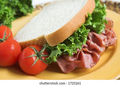 pastrami sandwich with vegetables
