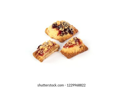 pastry filled with fruit and jam