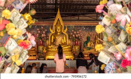 PATAYA THAILAND - January 14 - 2018:  [Buddha Chinnarat]Golden Buddhas seated at Wat Phra Yai temple in pataya. On January 14 - 2018 in Pataya,Thailand.