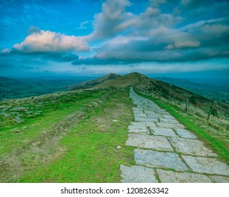 A path along the great ridge from Mam Tor towards Lose Hill, Back Tor. Beautiful countryside colours in the Hope Valley.