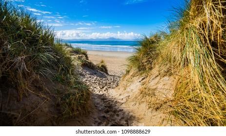 Path to Banna Beach