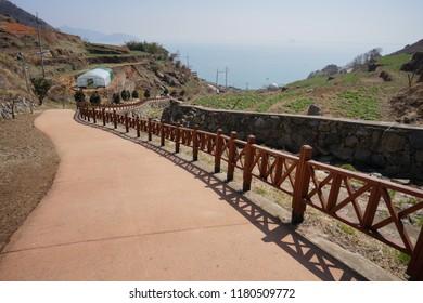 A path at Daeraengi Village