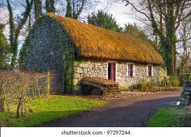 Path to old Irish cottage house
