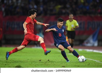 PATHUM THANI THAILAND SEP 5:Phitiwat Sukjitthammakul of Thailand in action during the 2022 FIFA World Cup Asian second qualifier match between Thailand and Vietnam at Thammasat Stadium