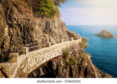 Pathway along the sea in Cinque Terre national park, Italy.