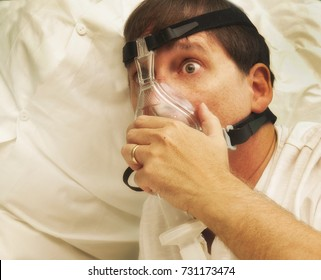 Patient with CPAP mask tries to breathe