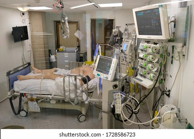 A patient is seen in the intensive care unit for the coronavirus disease (COVID-19) at the CHU de Liege hospital, in Liege, Belgium May 5, 2020.
