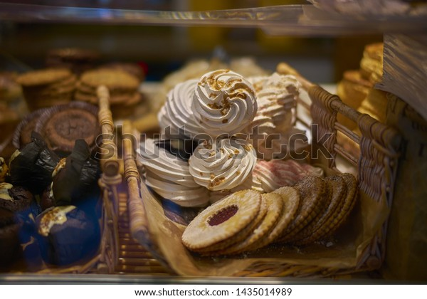 Patisserie - Meringues and Other Sweet Foods and desserts