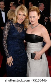 PATRICIA ARQUETTE & ROSANNA ARQUETTE at the 64th Annual Golden Globe Awards at the Beverly Hilton Hotel. January 15, 2007 Beverly Hills, CA Picture: Paul Smith / Featureflash