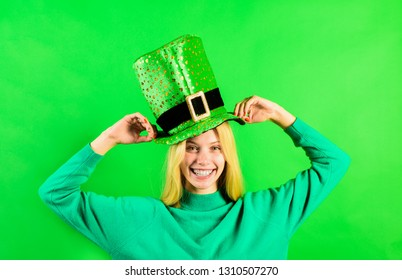 Patrick's Day. Green top hat. Girl in green hat. Leprechaun. Green leprechaun. Green hat with clover. Saint Patrick's Day. Traditions of Saint Patrick Day. Sale. Discount. March.