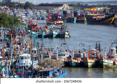 PATTANI, THAILAND -APRIL 11:riverscape of tradition fishery ship and fish market at pattani river,main business of this province is fishering industry.APRIL 11, 2018 pattani, THAILAND