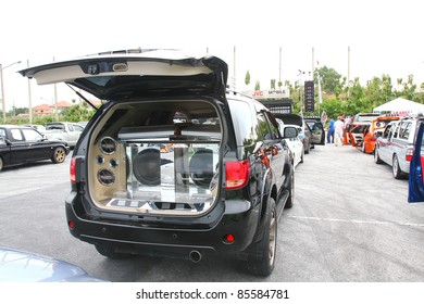 PATTAYA CHONBURI, THAILAND - SEPTEMBER 24 : Car Audio Show systems Installation extreme bass speakers in Trunk Toyota fortuner model. on September 24, 2011 in Pattaya Chonburi city, thailand.