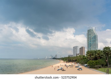 PATTAYA, THAILAND - 26 NOVEMBER 2016: Tourist sunbathe Relax on the Najomtian beach, Pattaya city famous tourist attraction of Thailand.